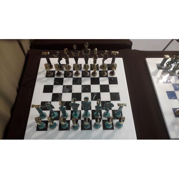 Σκακιέρα μαρμάρινη με μπρούτζινα πιόνια